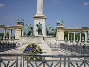 英雄広場のマジャール族像