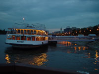 夜の乗船場